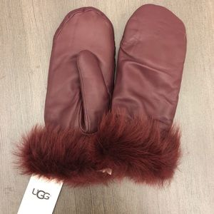 UGG leather mittens size S/M